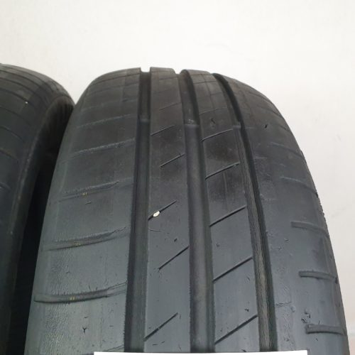 185/60 R15 84H Goodyear EfficientGrip Performance – 50% +4mm Gomme Estive