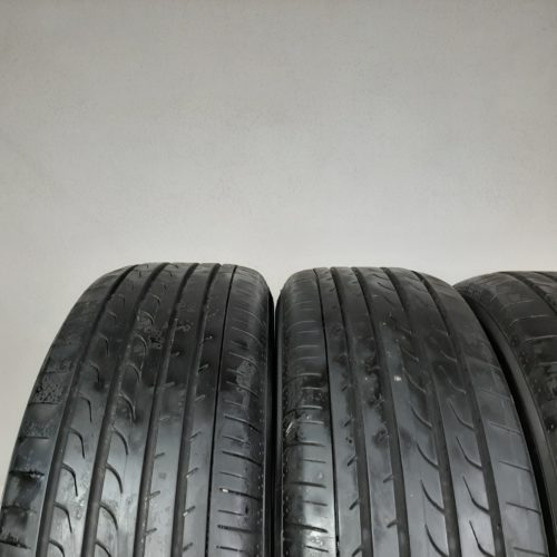 215/65 R17 99V Yokohama BluEarth RV02 – 60% +5mm – Gomme Estive