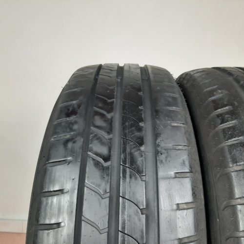 195/ 60 R16 89H Goodyear EfficientGrip – 50% +4mm Gomme Estive